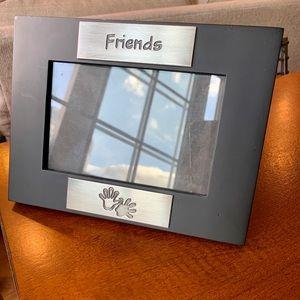 Black FRIENDS picture frame ✨